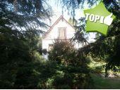 Strasshof: Kleines Einfamilienhaus in einem verträumten Garten