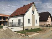 627489 Modernes Einfamilienhaus in absoluter Ruhelage.