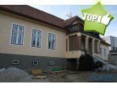 Haus, 7203, Wiesen