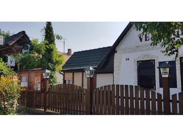 Haus, Balatonlelle