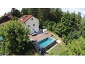 451668  Ruhiges Schmuckstück mit Pool und Terrasse